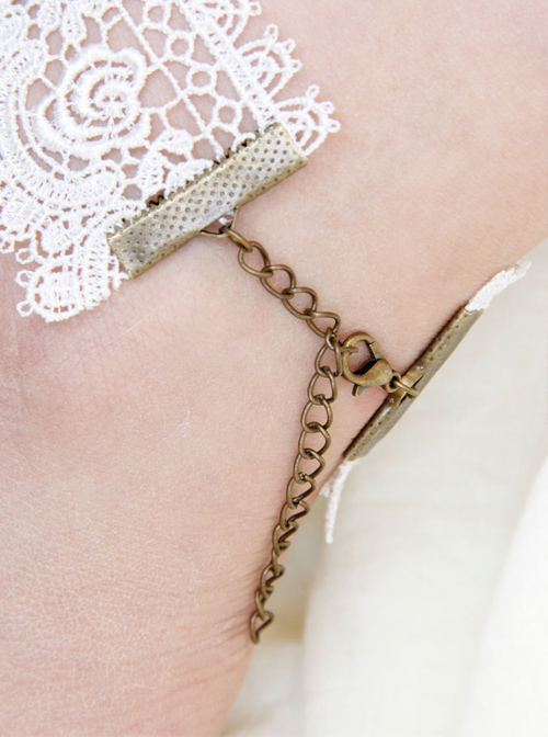 Retro Wings White Lace Lolita Anklet