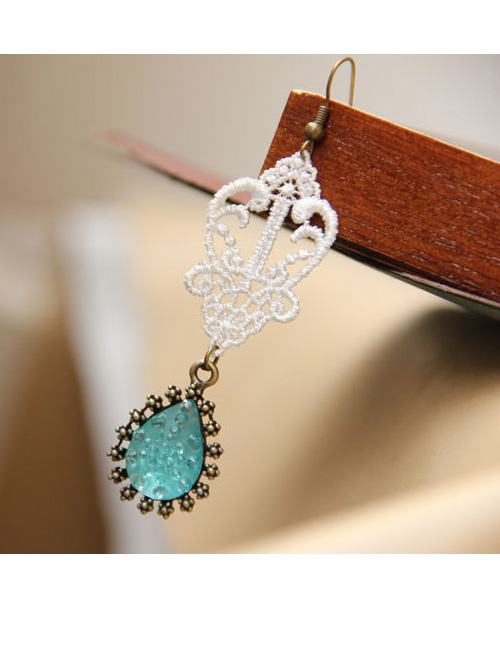 Court Style Vintage White Lace Green Pendant Earrings